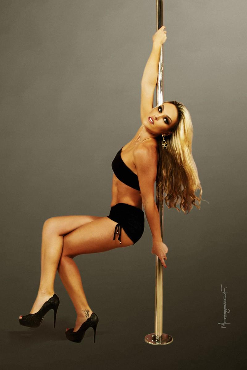 morgana-festugato-pole-dance-photography-010