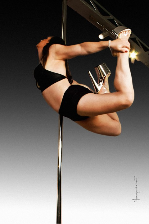 morgana-festugato-pole-dance-photography-013
