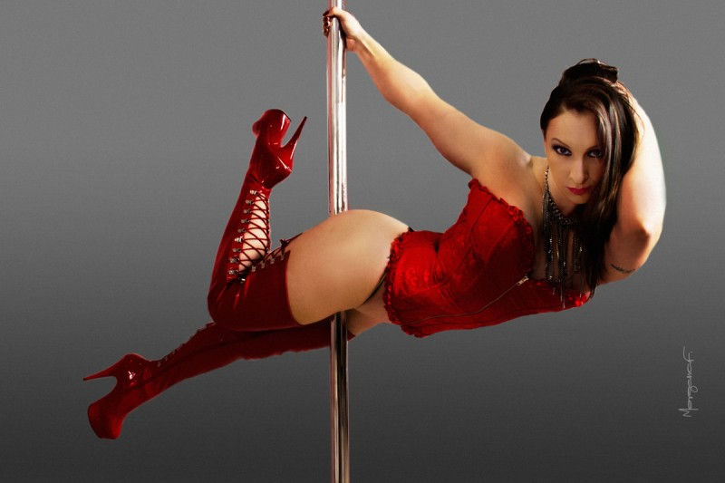 morgana-festugato-pole-dance-photography-015